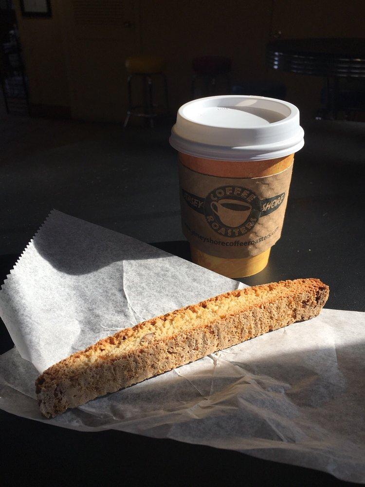 Jersey Shore Coffee Roasters: 64 Thompson Ave, Leonardo, NJ