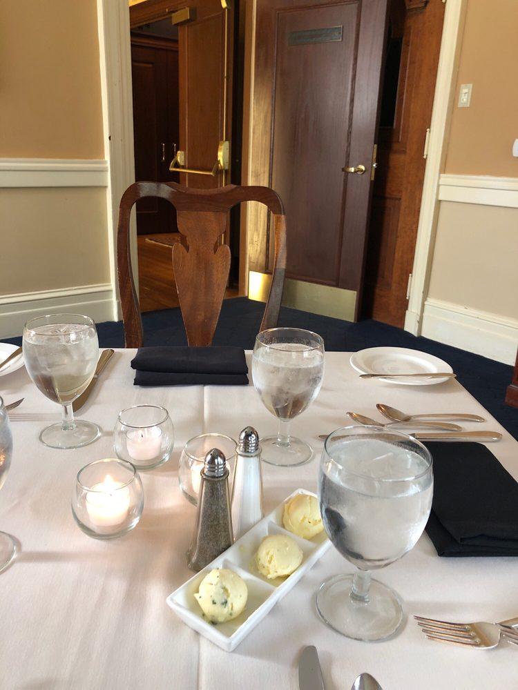 Westmoreland Club: 59 S Franklin St, Wilkes Barre, PA