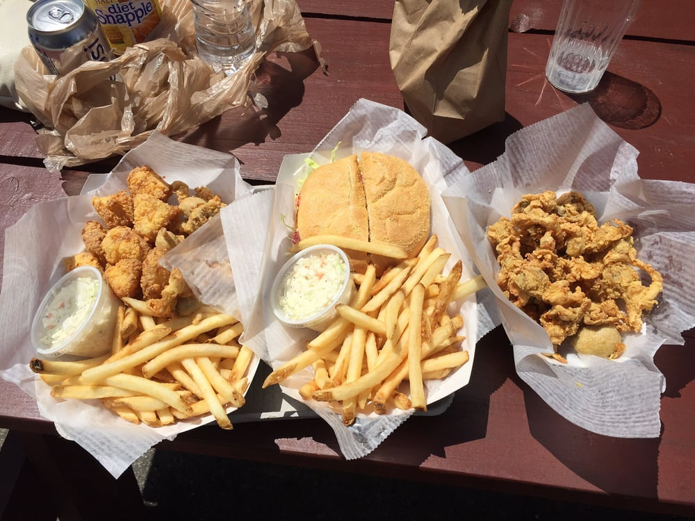 Lobster Connection: 1007 Laconia Rd, Tilton, NH