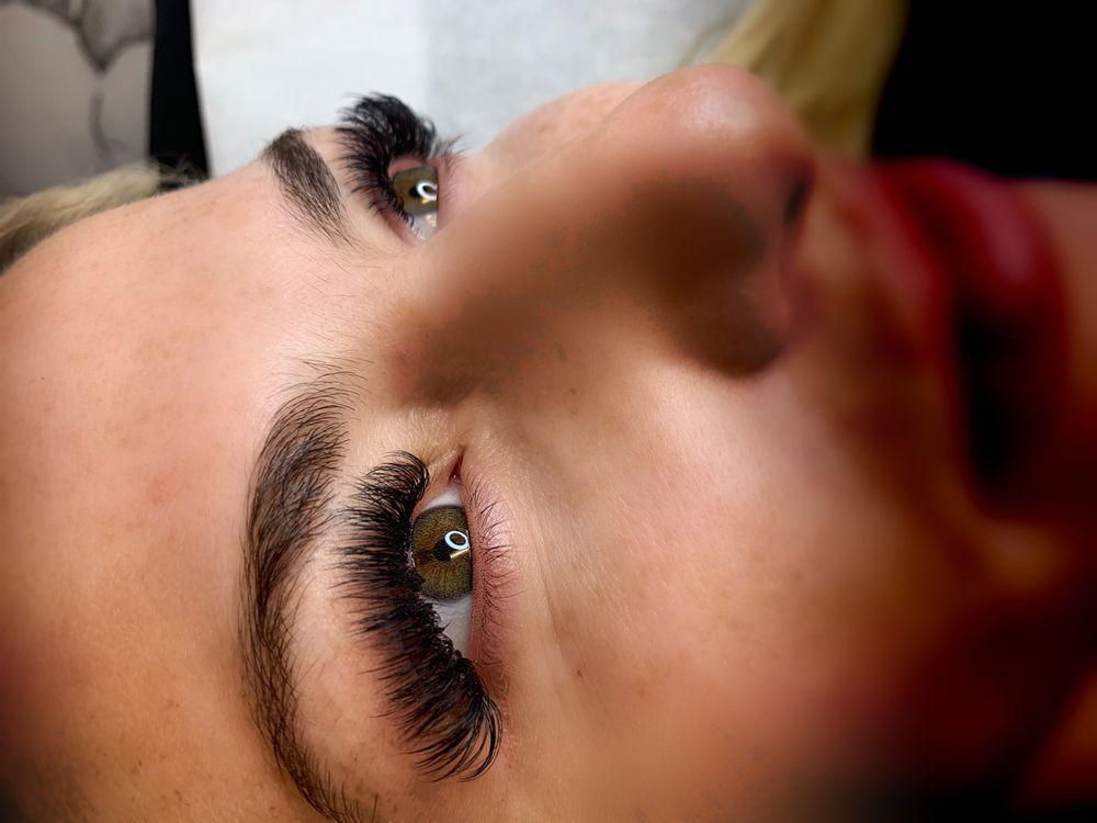 Eyelashcare Lash Boutique: 39 West 32, New York, NY