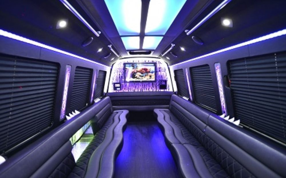 Rockstar Limousine: Atwater, OH