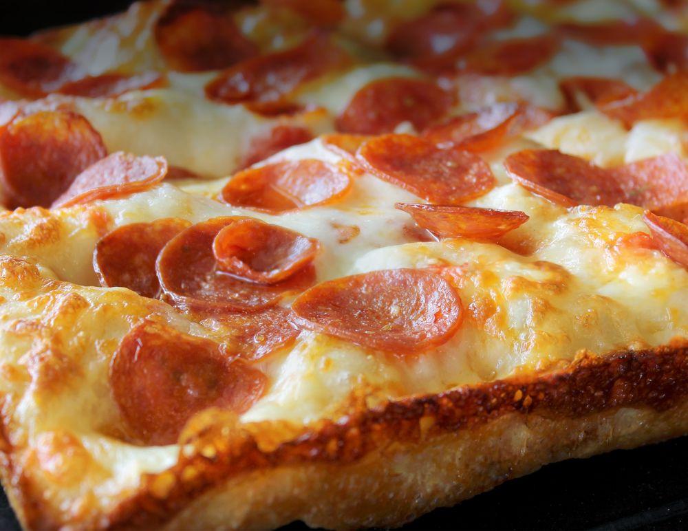 Crispelli's Bakery & Pizzeria: 6756 Dixie Hwy, Clarkston, MI