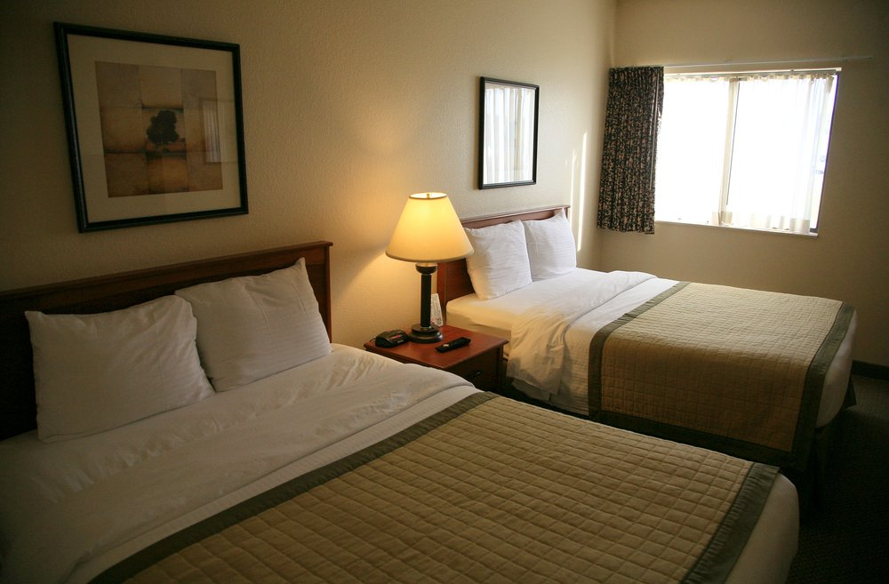 New Victorian Inn & Suites: 3101 Singing Hills Blvd, Sioux City, IA