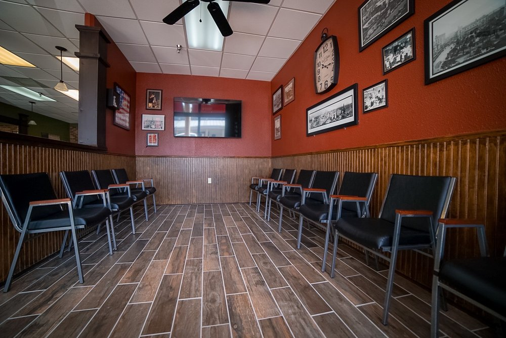 Clippers Barber Shop: 6102 Broadway St, Alamo Heights, TX