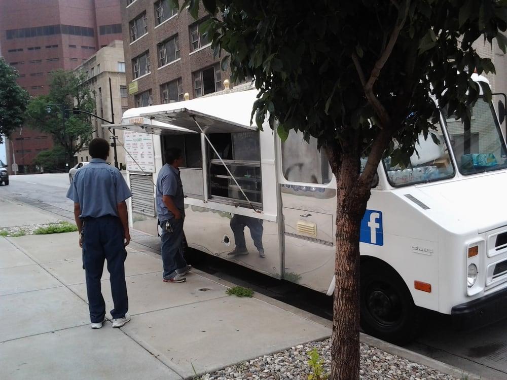 Los Tules Food Truck