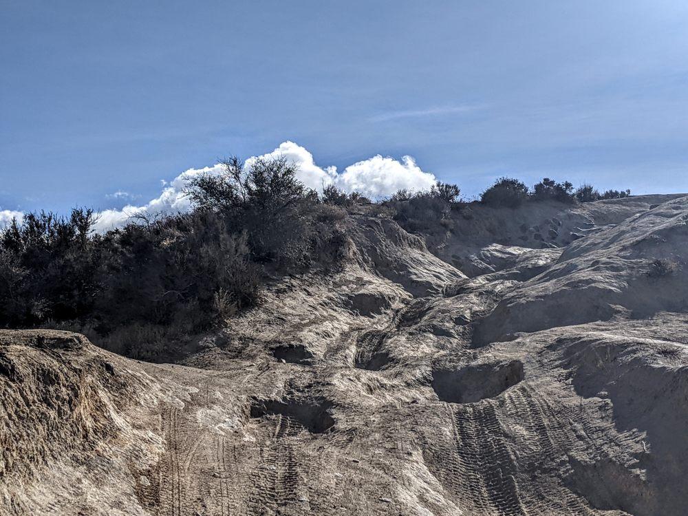 Cleghorn Ridge Trail: Cleghorn Rd, Phelan, CA