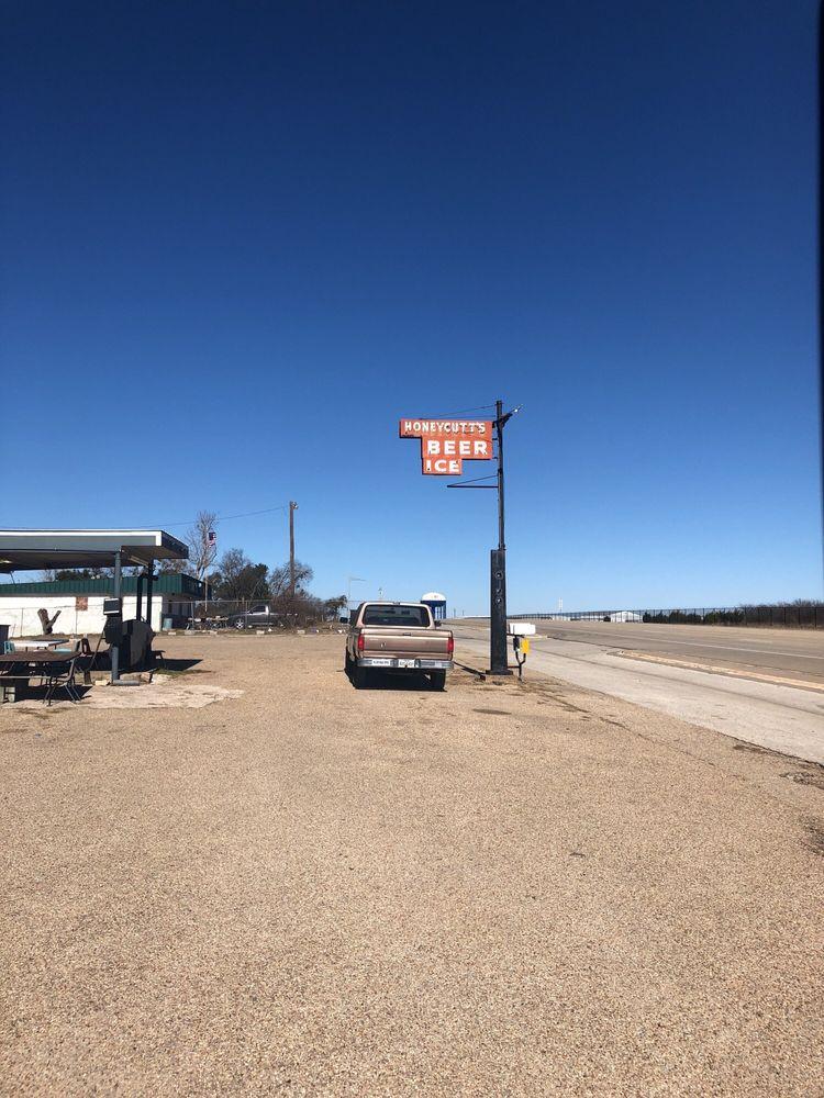 Honeycutt's: 7303 Airport Rd, Temple, TX