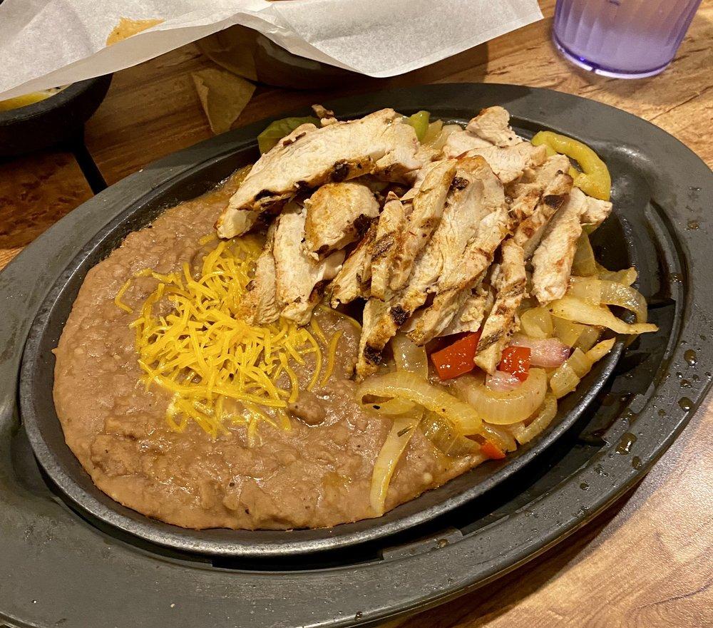 Carlos O'kelly's Mexican Cafe: 909 E 30th Ave, Hutchinson, KS