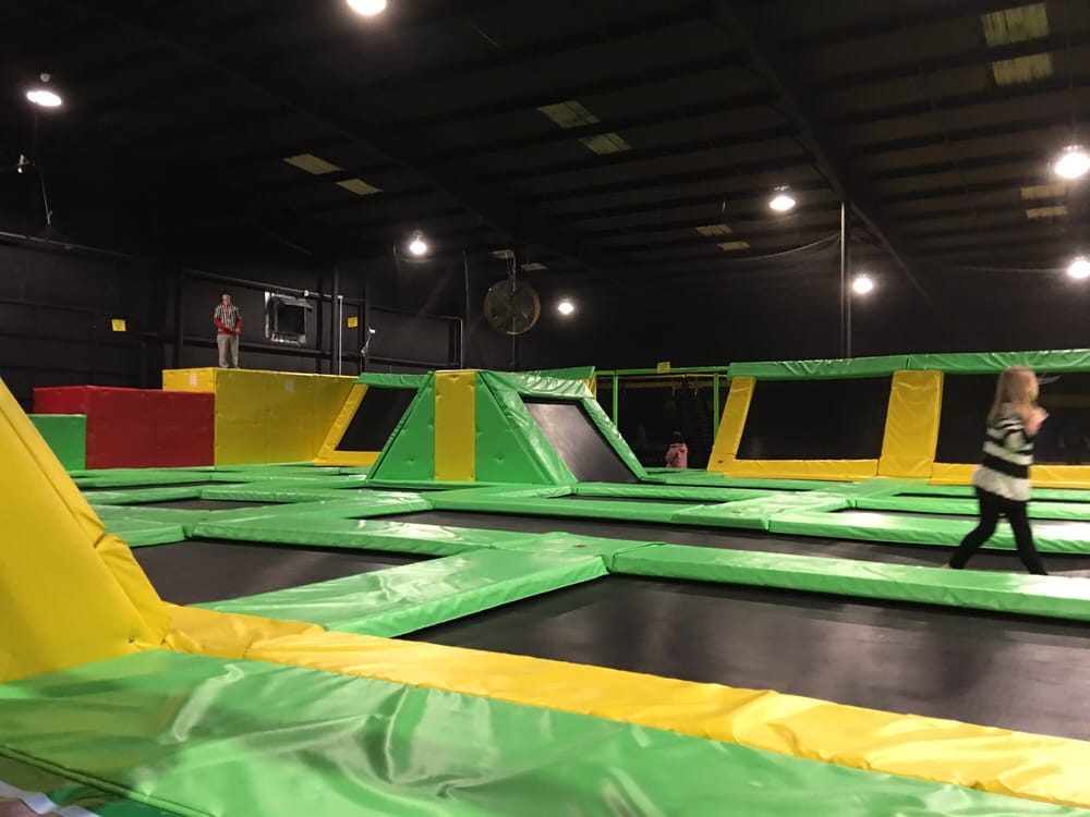 max air trampoline park knoxville. Black Bedroom Furniture Sets. Home Design Ideas
