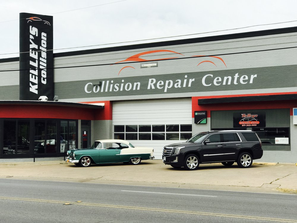 Kelley's Collision: 420 N Main St, Cleburne, TX