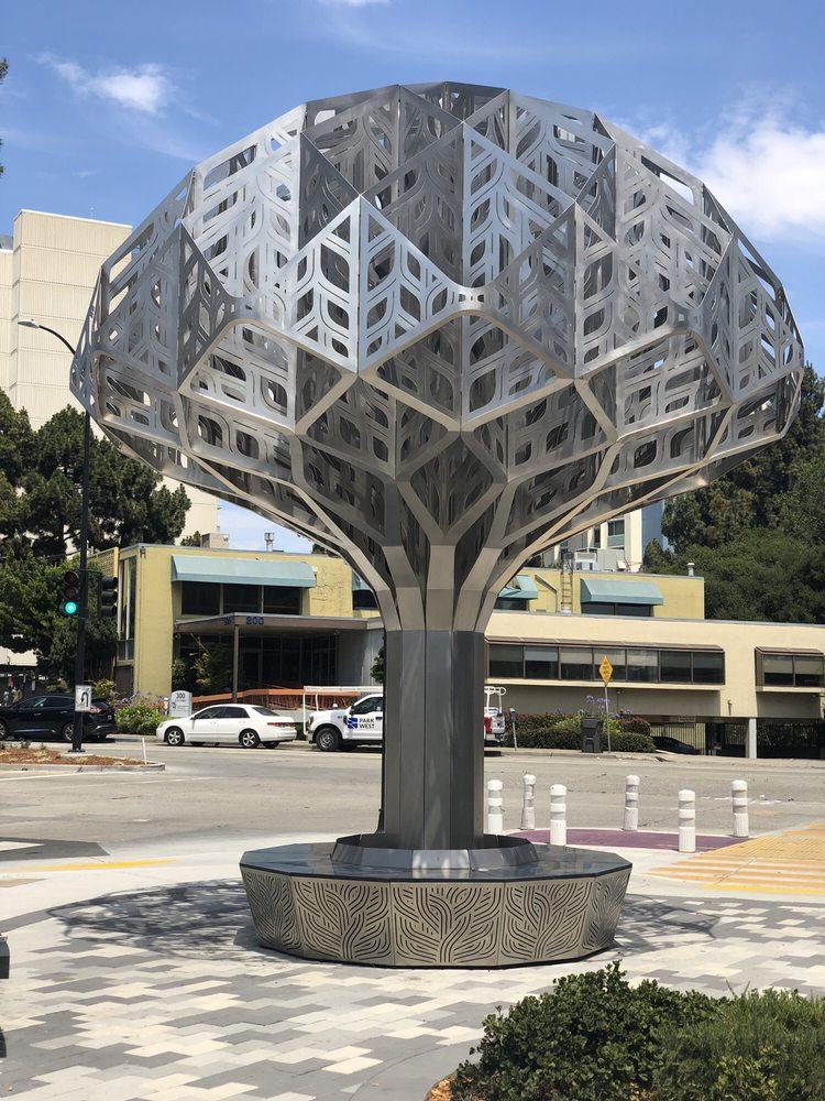 Oaklandish Tree: 2460 Valdez St, Oakland, CA