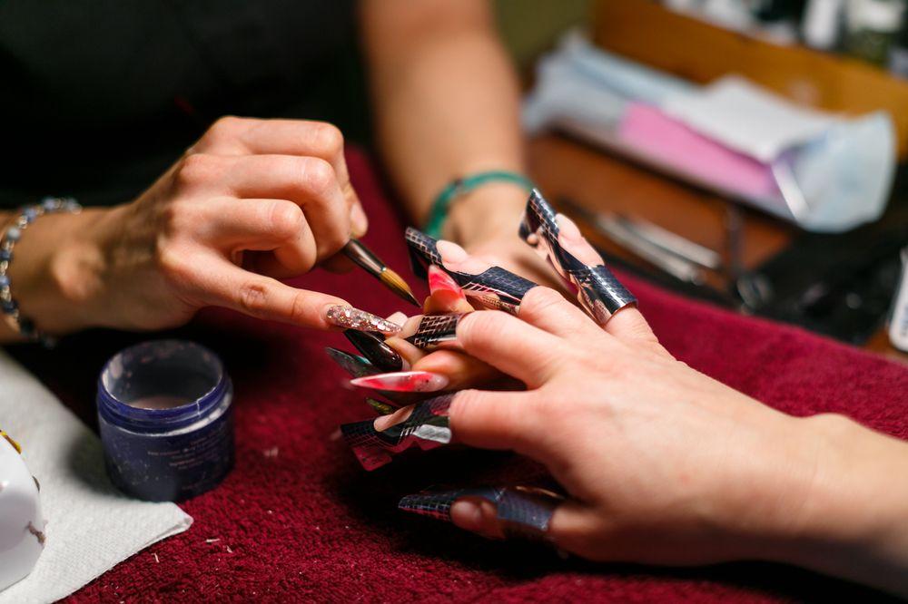 Varsity Nails