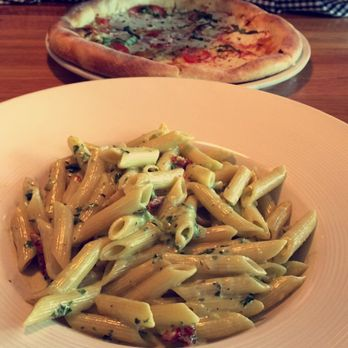 California Pizza Kitchen at The Domain - Order Food Online - 225 ...