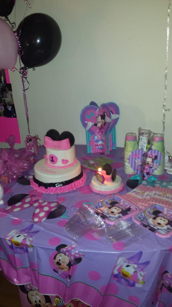 Minnie Mouse 1st birthday cake Yelp