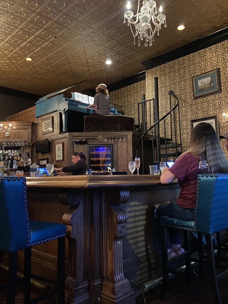 The Derby Piano & Dessert Bar: 635 College St, Bowling Green, KY