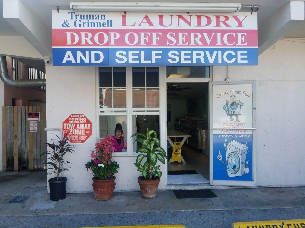 Truman & Grinnell Laundry: 934 Truman Ave, Key West, FL