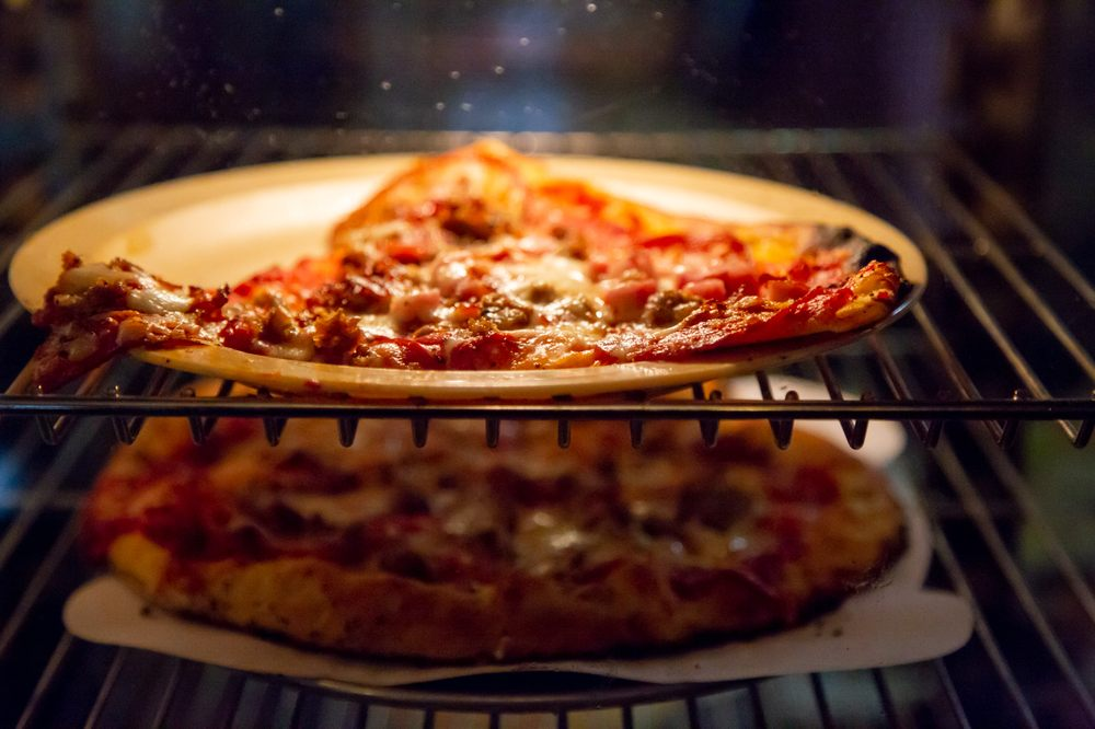 Lakeside Wood Fire Pizza: 4105 N St Hwy 3, North Vernon, IN