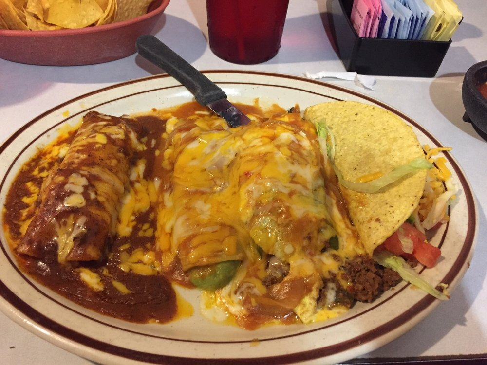 Hidalgos Restaurant: 1315 N Chadbourne St, San Angelo, TX