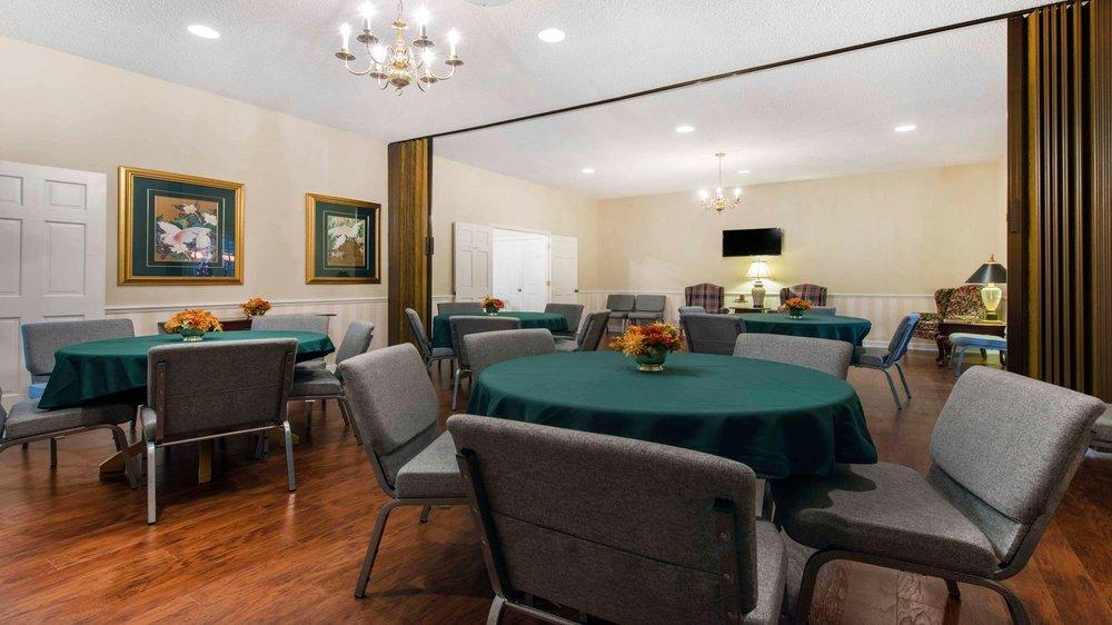 Ott-Laughlin Funeral Home: 2198 K Ville Ave, Auburndale, FL