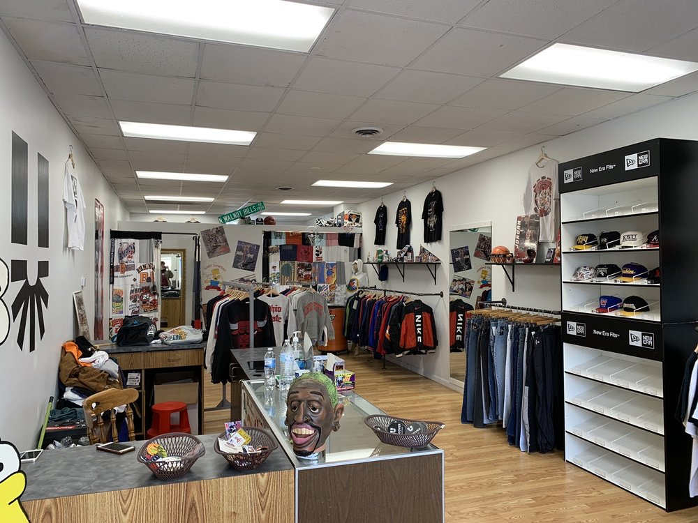 Uncover Vintage: 13703 Madison Ave, Lakewood, OH