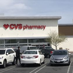 cvs pharmacy 20 photos 35 reviews drugstores 13021 victory