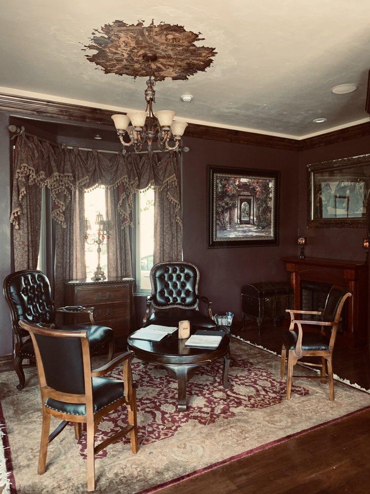 Arrowhead Manor Inn: 9284 US Hwy 285, Morrison, CO