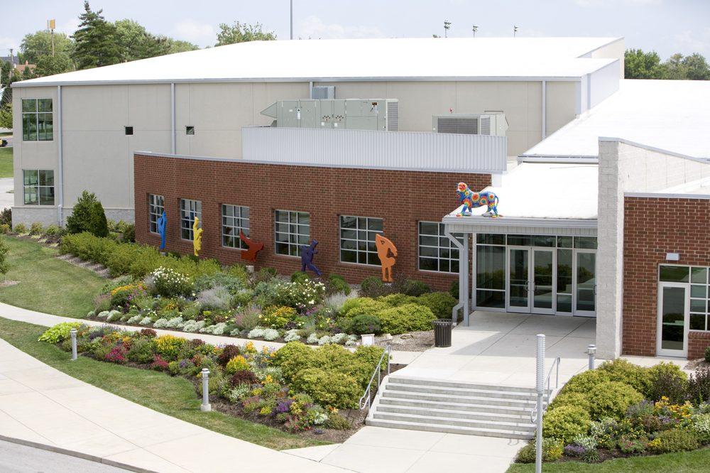 Centennial Commons: 7210 Olive Blvd, University City, MO