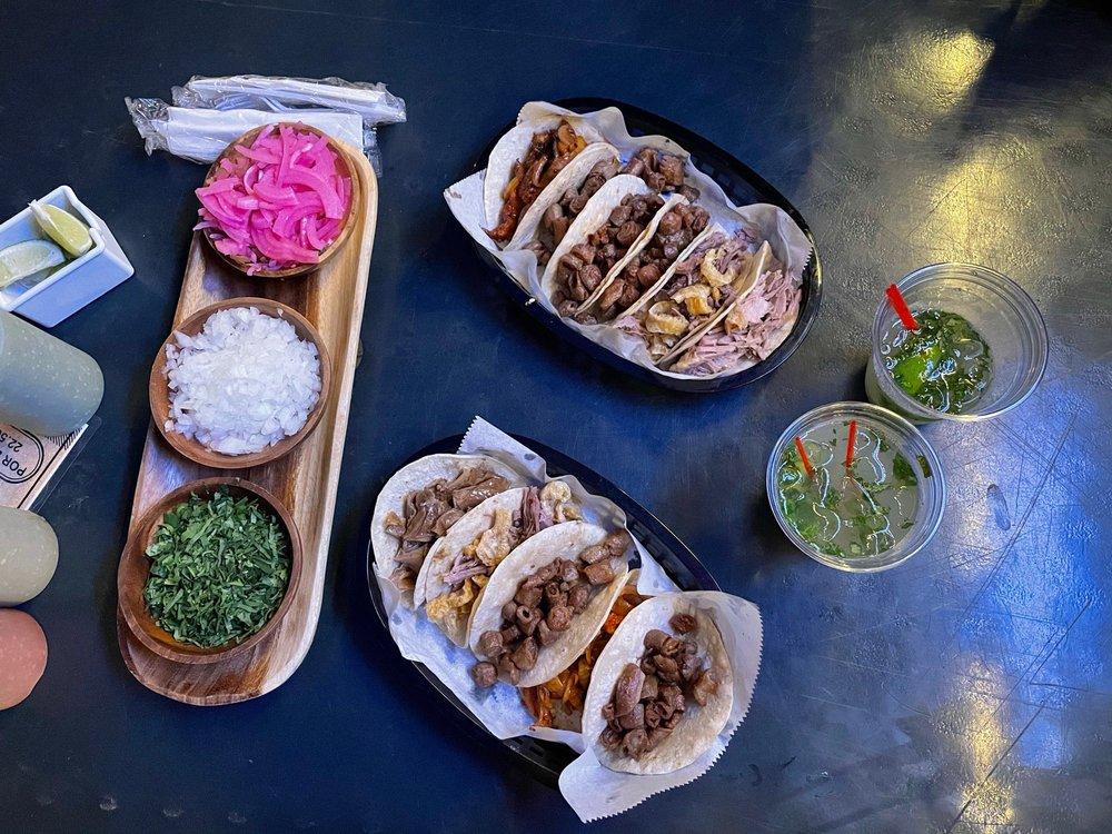 Food from Taqueria Viva México