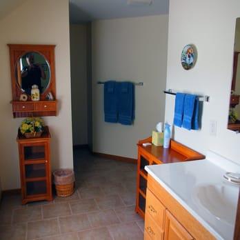 Amazing Photo Of Sunflower Inn Of Yoder   Yoder, KS, United States. Bathroom For