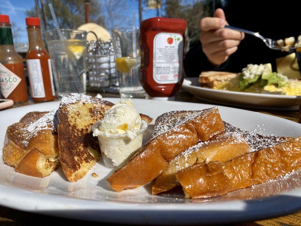 Putah Creek Cafe: 1 Main St, Winters, CA