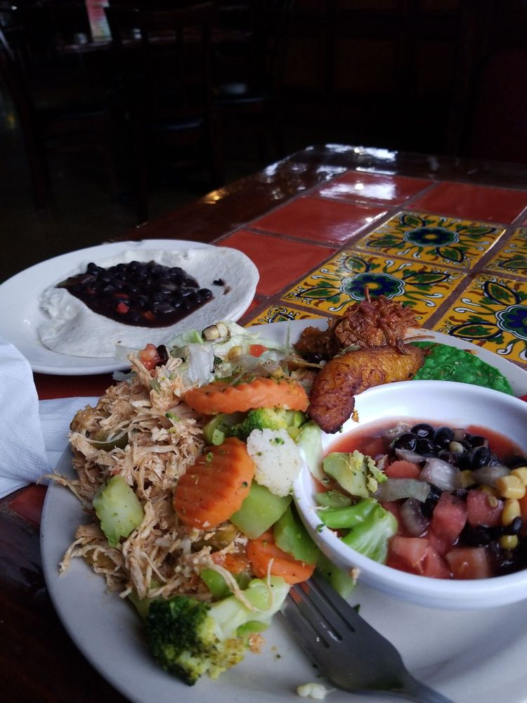 Mango's Mexican Grill & Cantina: 6201 Dutchmans Ln, Louisville, KY
