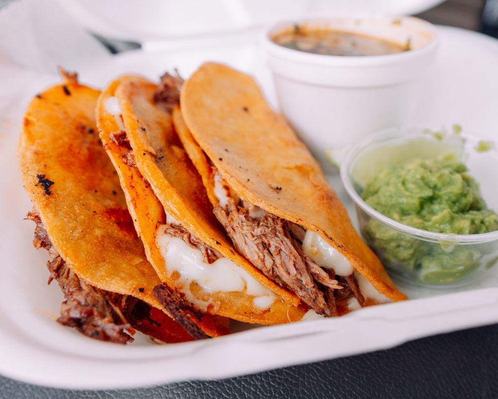 Food from Tacos Las Californias