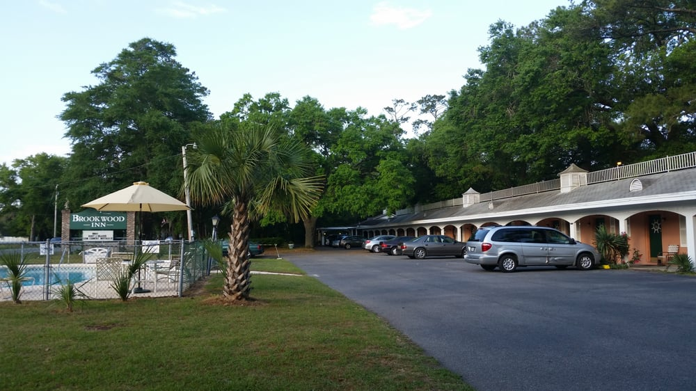 Hotels Near Brookwood