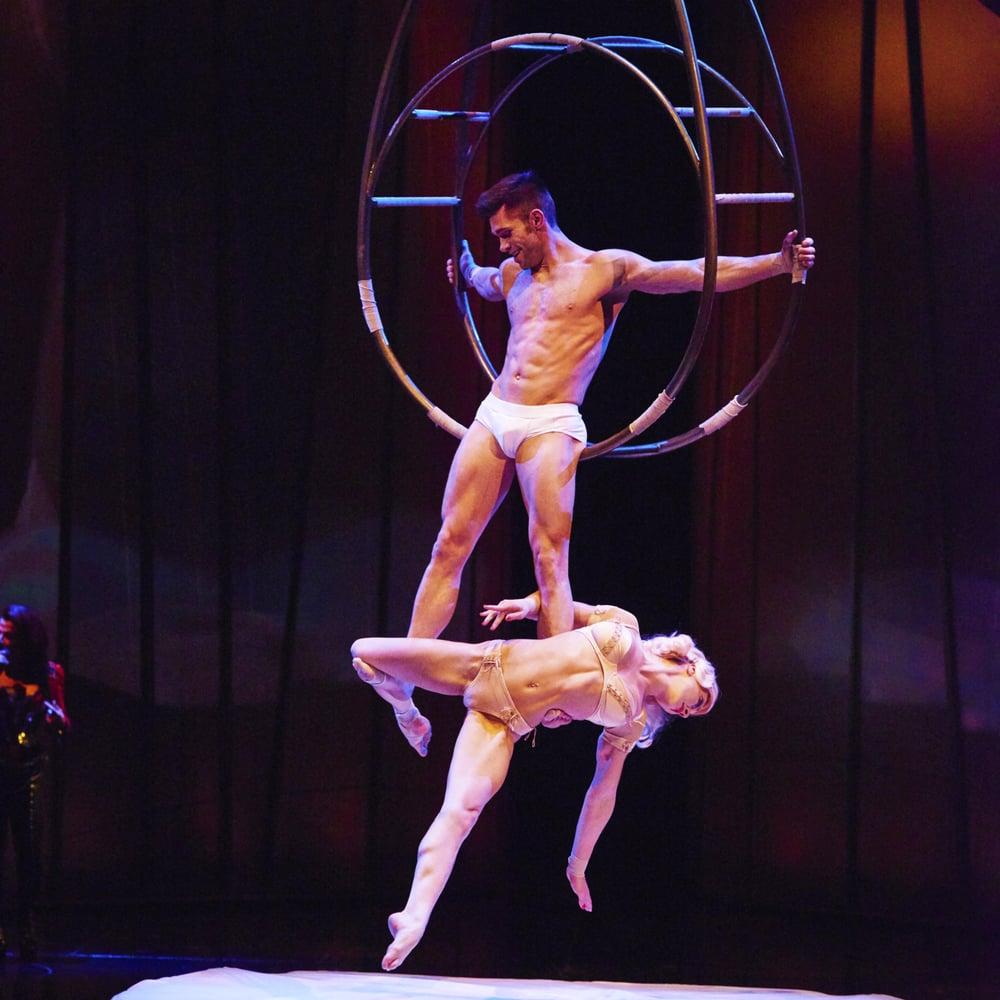 тебе голые в цирке онлайн богатая