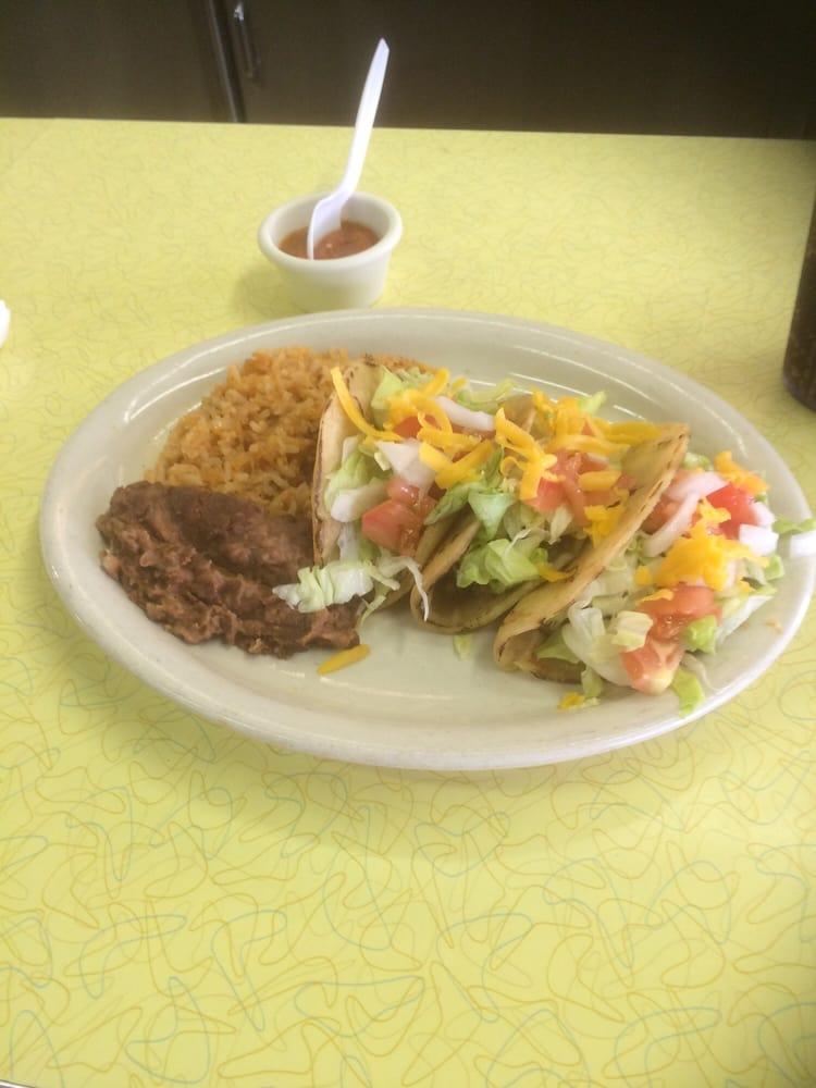 Benny's Cafe: 650 S Main St, Del Rio, TX