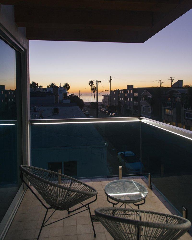H2O Hermosa: 1429 Hermosa Ave, Hermosa Beach, CA