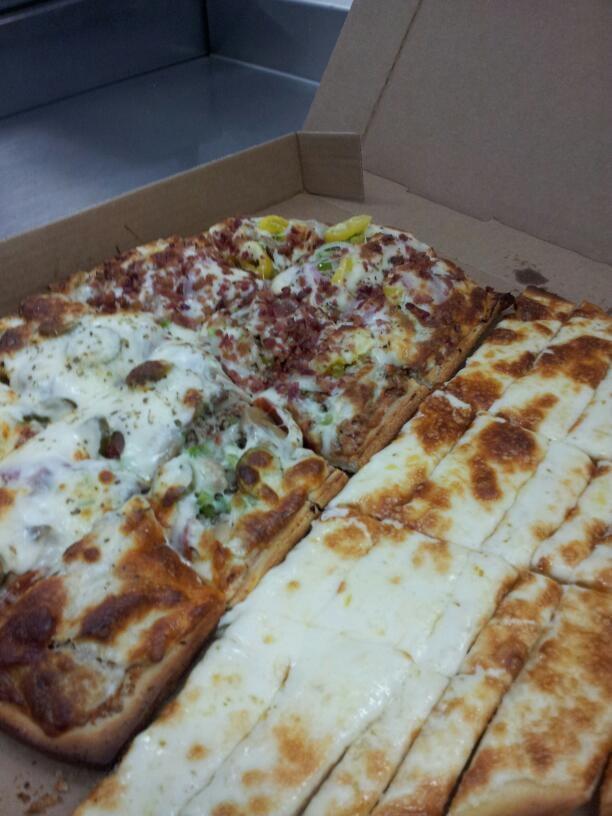 Bob S Tu Your Door Pizza 17 Reviews Pizza 510 N