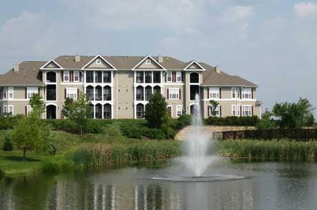 Somerset Park: 600 Somerset Park Dr SE, Leesburg, VA