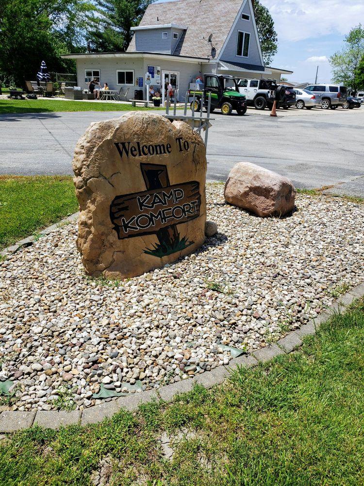 Kamp Komfort Rv Park: 21408 N 600 E Rd, Carlock, IL