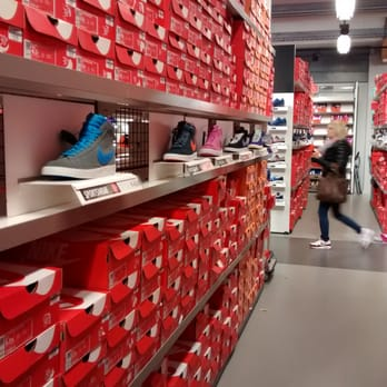 nike outlet store. nike outlet store herzogenaurach p