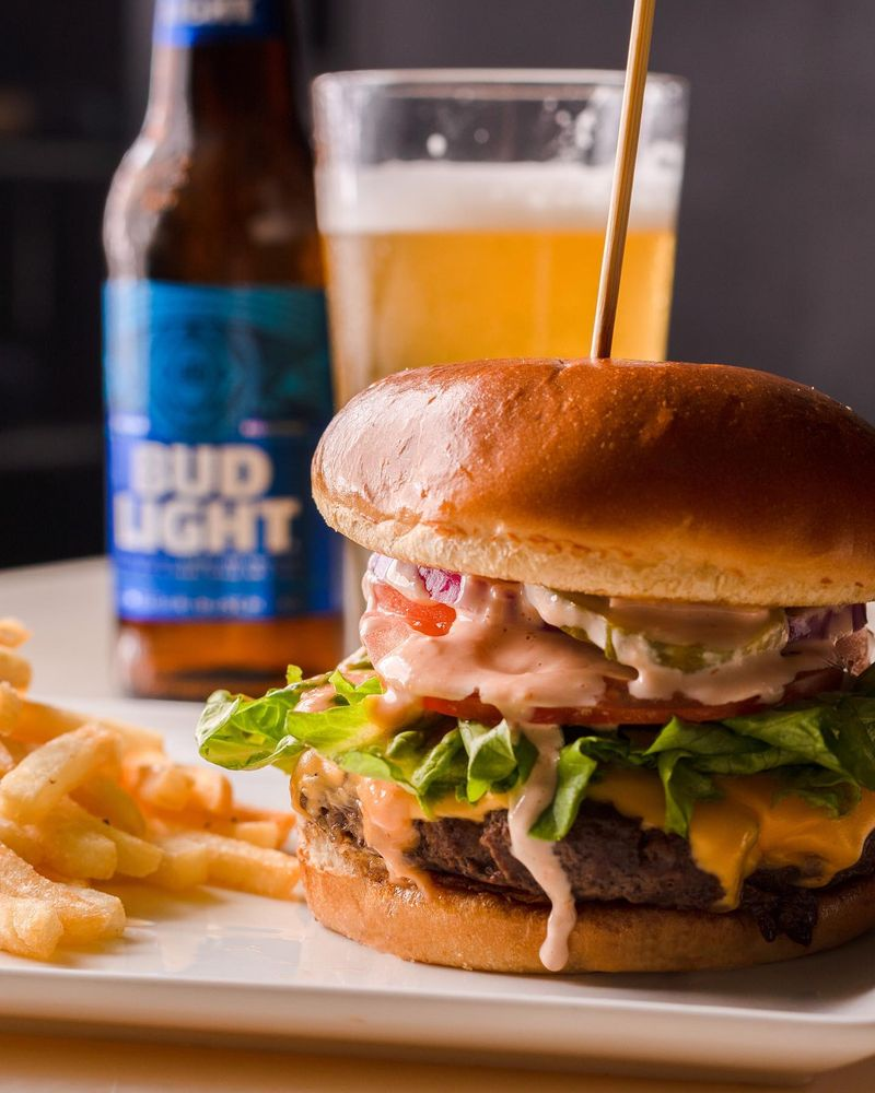 Vibez Restaurant & Lounge: 2611 Ashley Phosphate Rd, North Charleston, SC