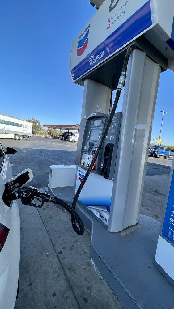 Chevron: 18208 Avenue 204, Chowchilla, CA