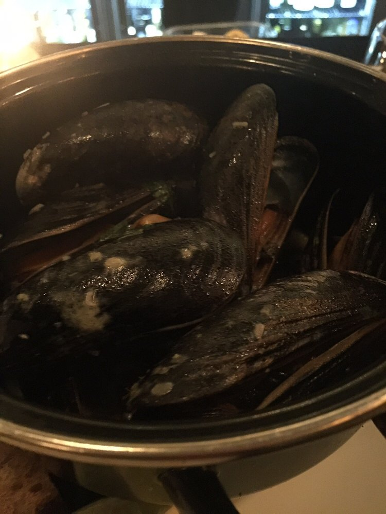 Maine mussels in curry broth yelp for Gramercy farmer and the fish