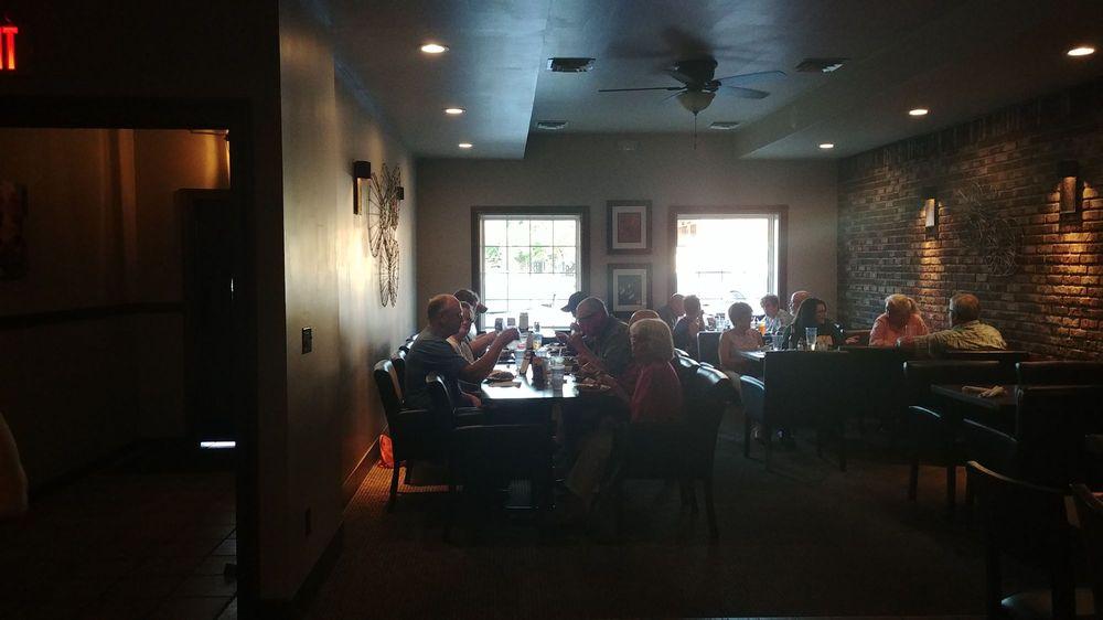 Hartford Steak Co. Tavern: 7 Court St, Vermillion, SD