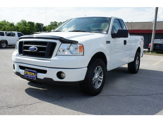 Regal Car Sales & Credit: 3609 Us Hwy 59 N, Grove, OK