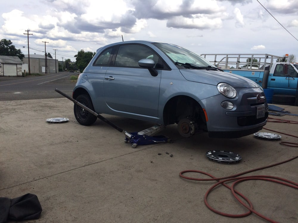 Gleed Boys Tire: 3400 Mapleway Rd, Yakima, WA