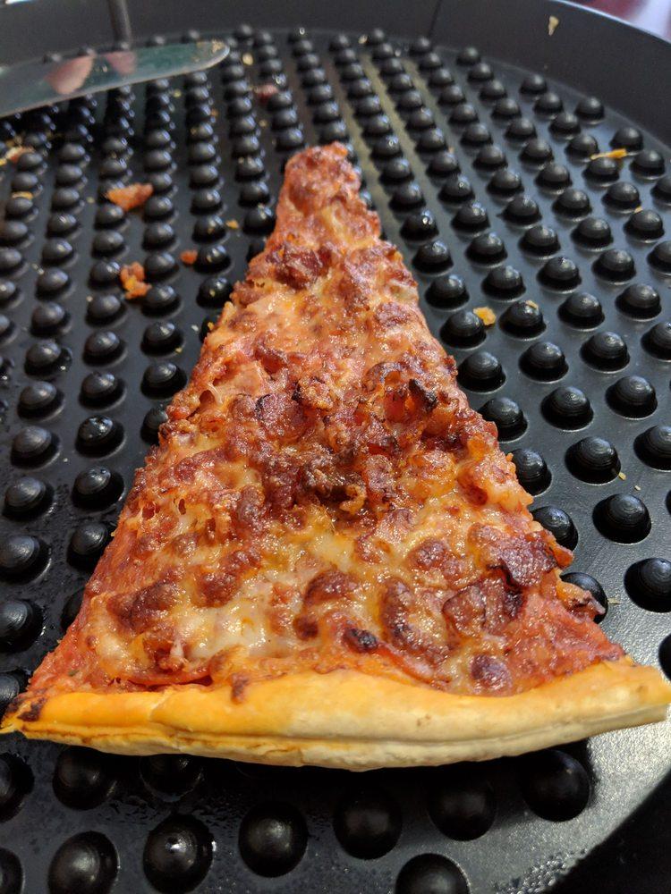 Opie's Pizza & Grill: 122 E Main St, Chanute, KS