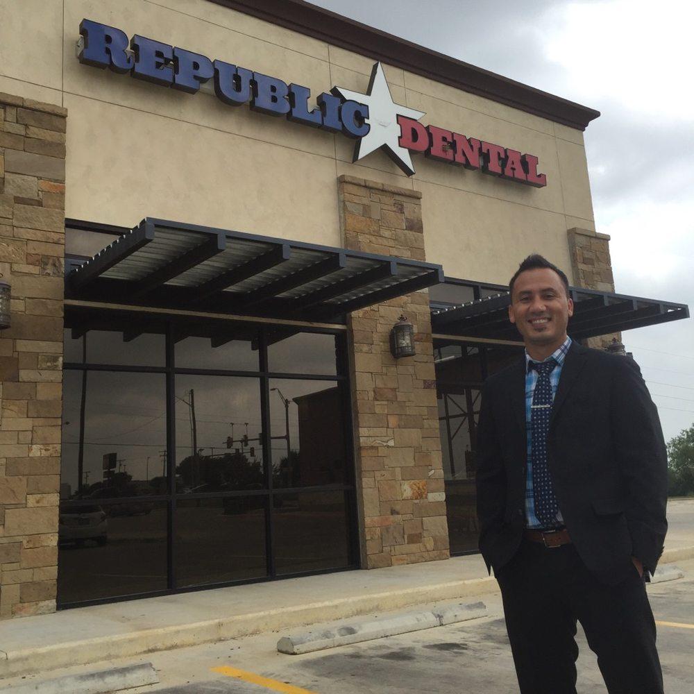 Republic Dental & Orthodontics: 2120 W Oaklawn Rd, Pleasanton, TX