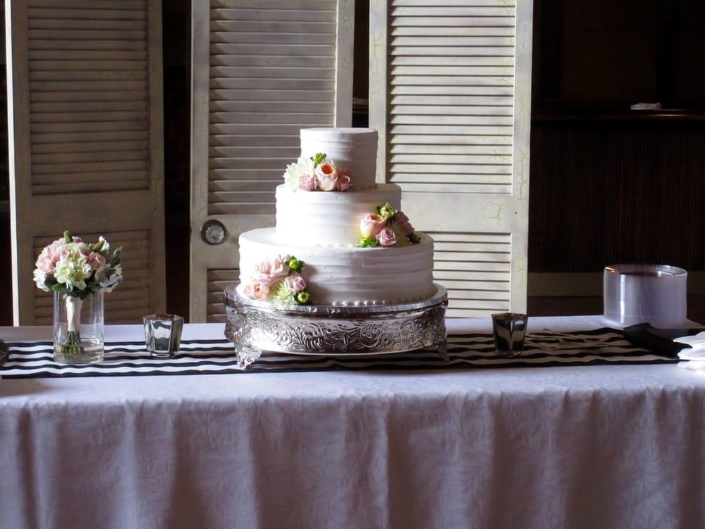 Blue Bonnet Bakery Cake Menu
