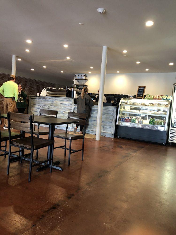 Millhouse Coffee and Cafe: 228 1st Ave SW, Hamilton, AL